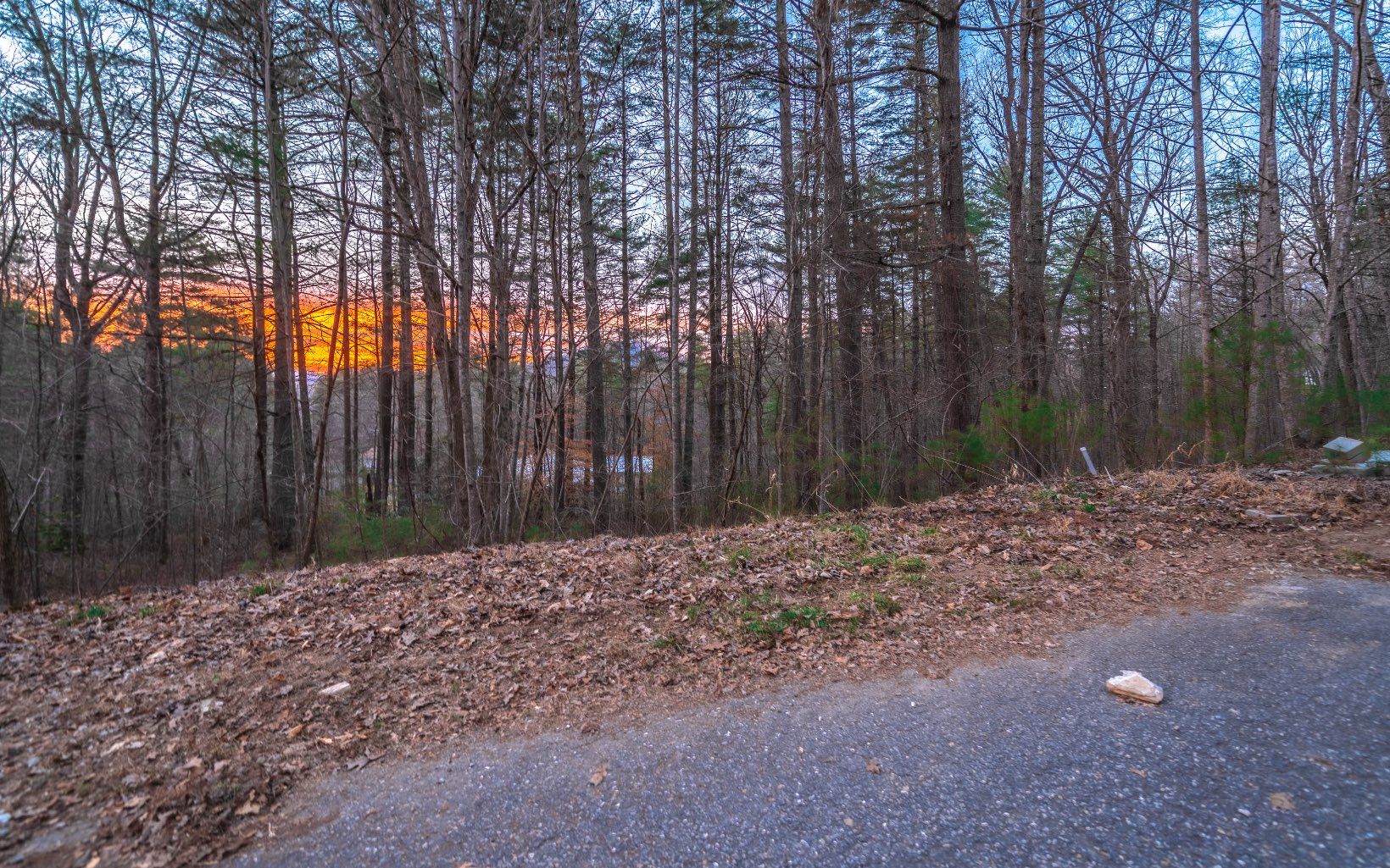 MIDDLE CREEK RD 32