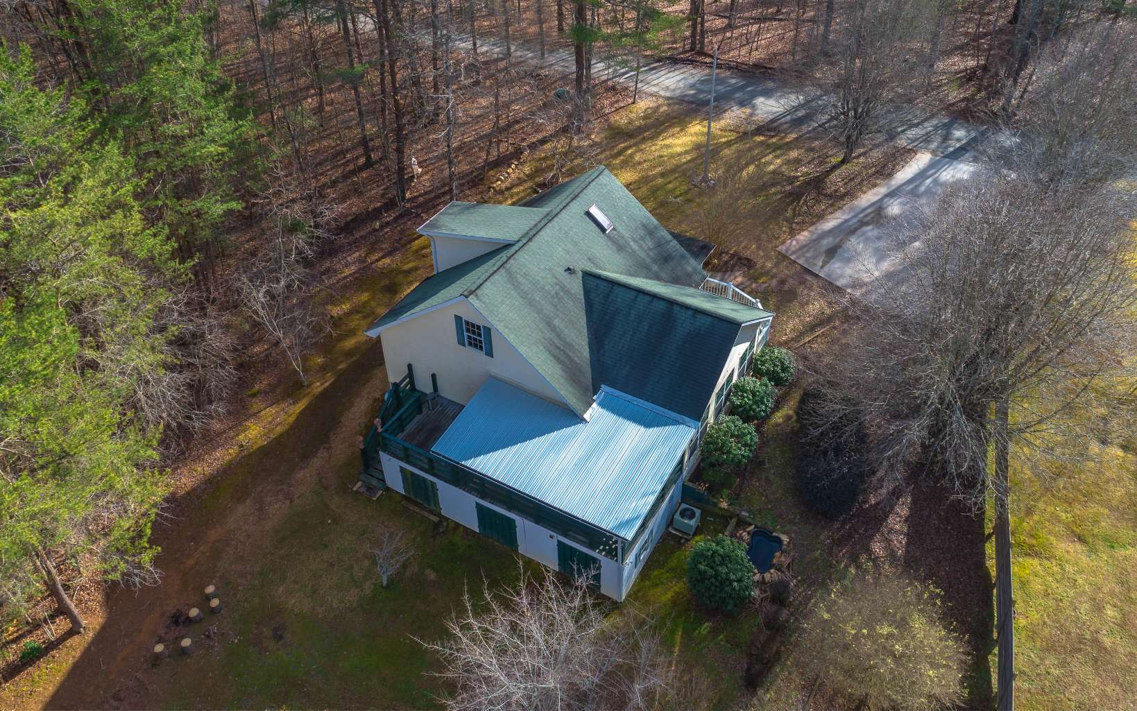 487  LAKE FOREST DRIVE