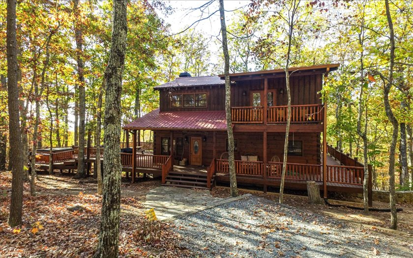 2034 SQUIRREL HUNTING RD, Morganton, GA 30560