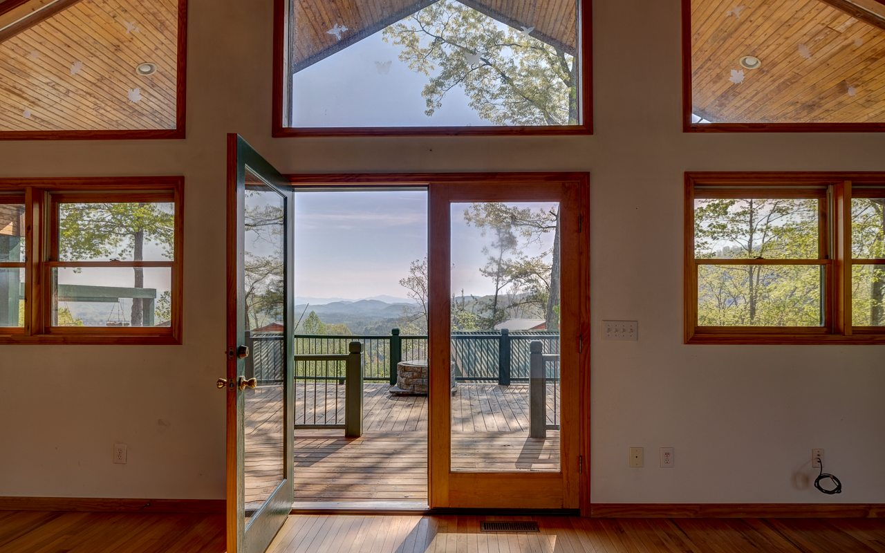 134  MOUNTAIN OVERLOOK DR