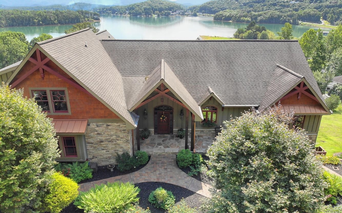 1916  LAKEVIEW SUMMIT DR