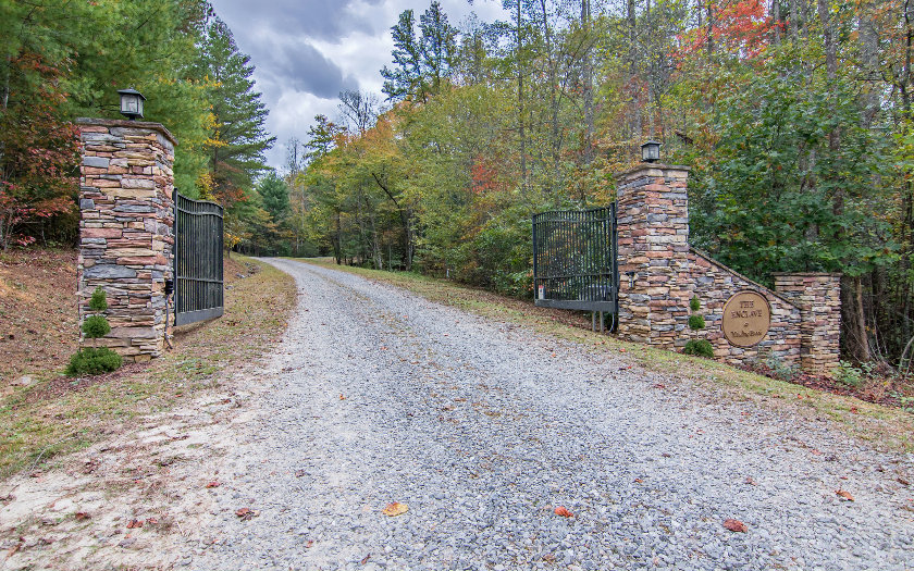 LOT 8  WINDING BROOK TRAIL