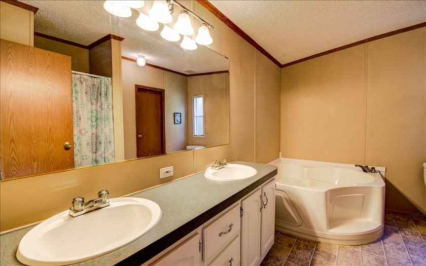 Photo 3 for Listing #269218