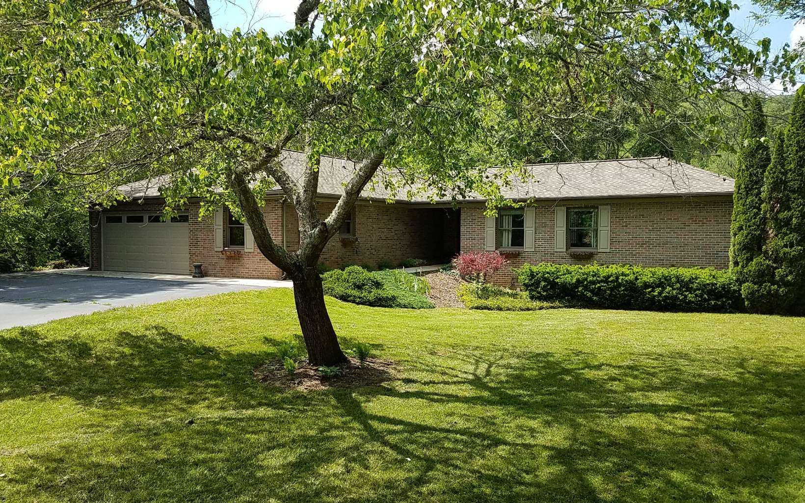 2436  SWEETWATER BEND
