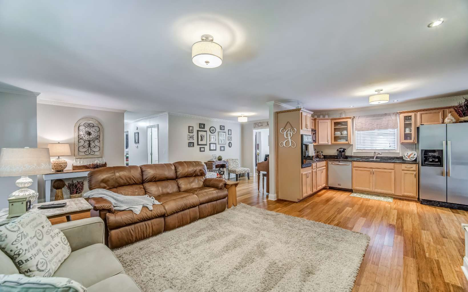 324  MONTVIEW DR