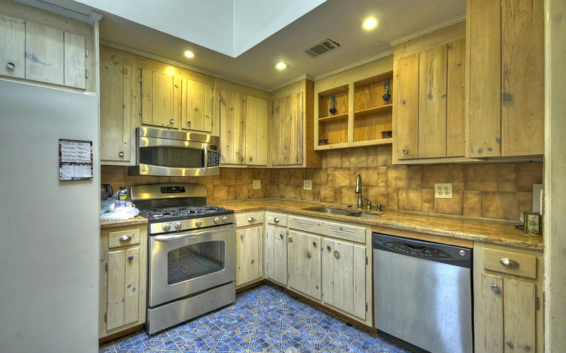 Photo 3 for Listing #262632