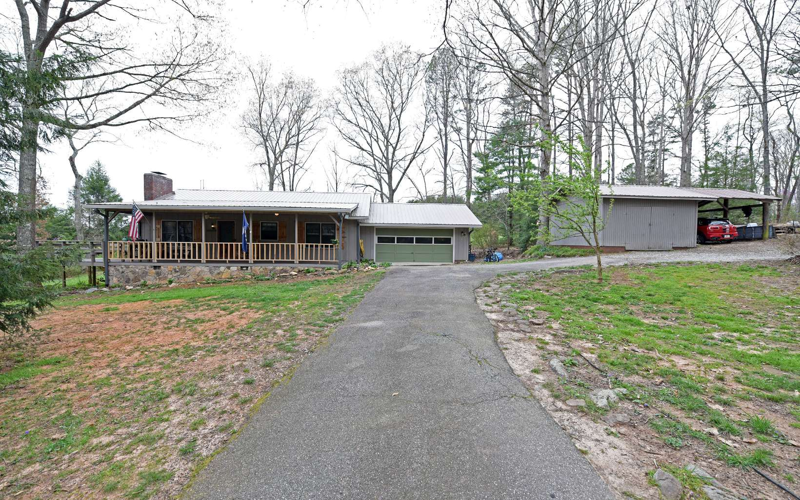 539  FOREST CIRCLE