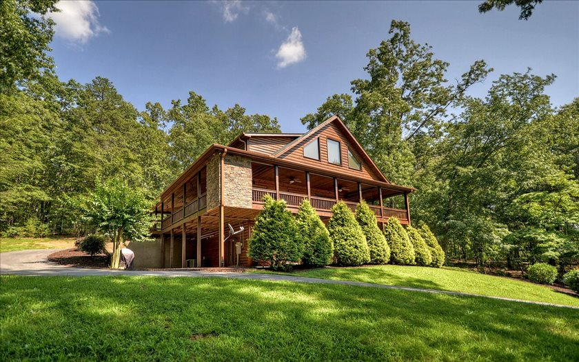 146 HOTHOUSE DR, Mineral Bluff, GA 30559