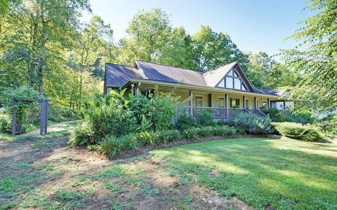 100 TUSQUITTEE MEADOWS, Hayesville, NC 28904