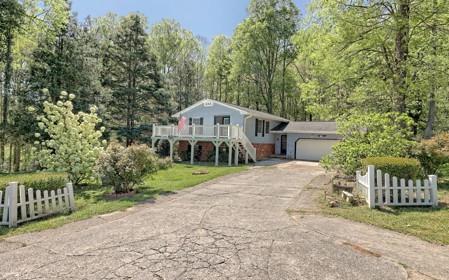 194  ROLLING ACRES