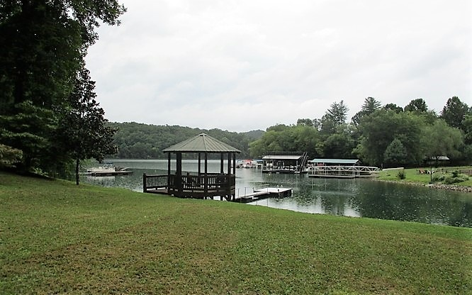 Land for sale on Lake Chatuge