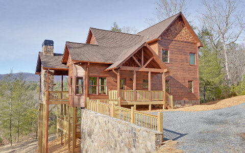 Lodge-Style Cabin in Exclusive Gated Community--$379,900