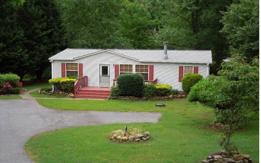 2818 OLD HWY 64 E, Hayesville, NC 28904