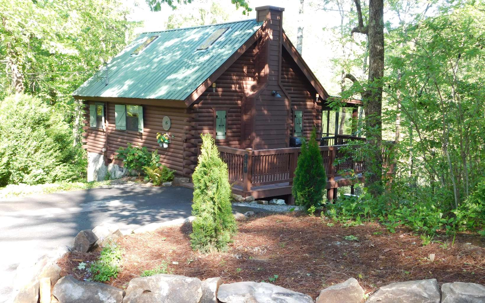 for cabin the cabins ideal rent of spectacular north mountains day and lights to rentals summit this helen gives a view ga in georgia jasonsmlivingarea by offers night guests