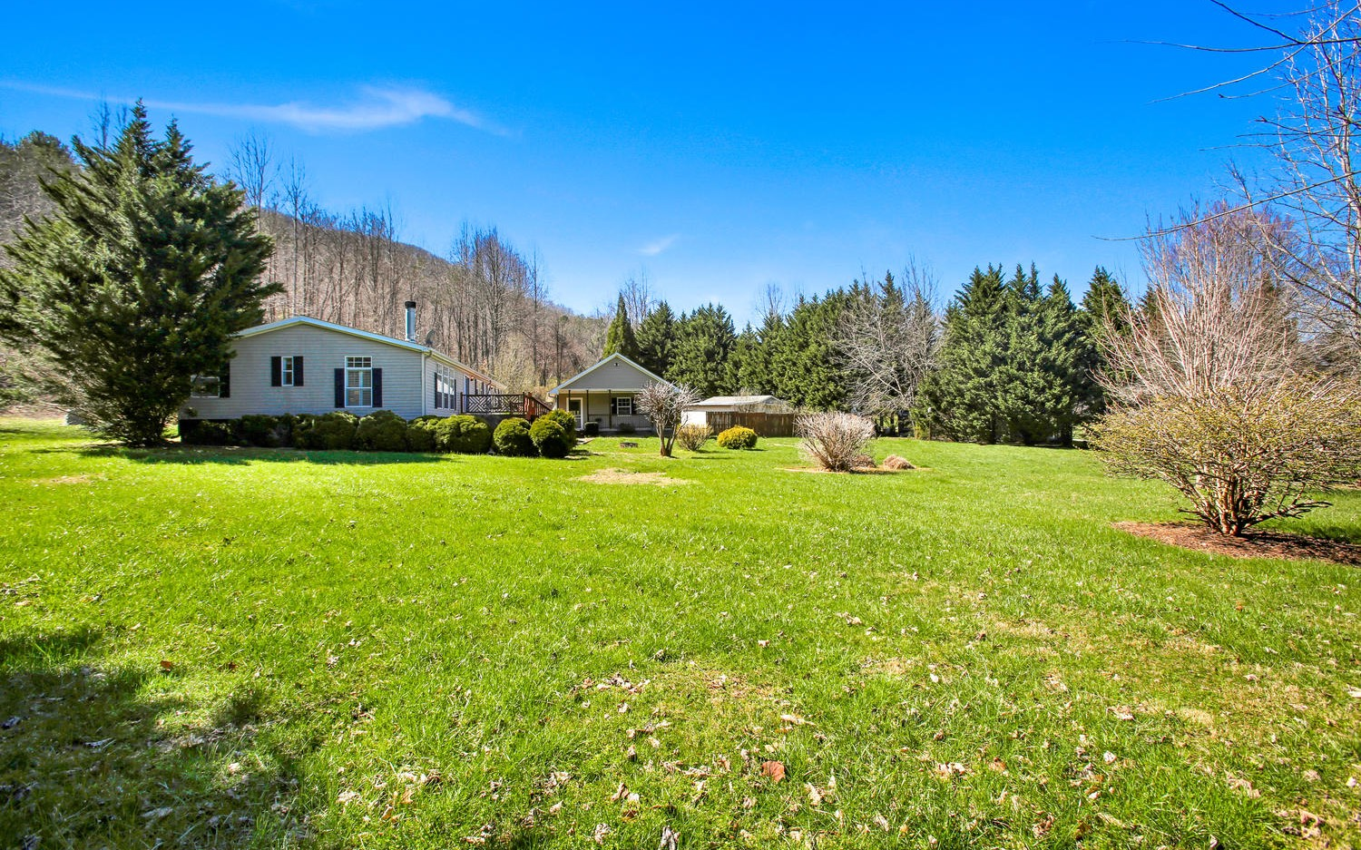 200  FOREST COVE TRAIL
