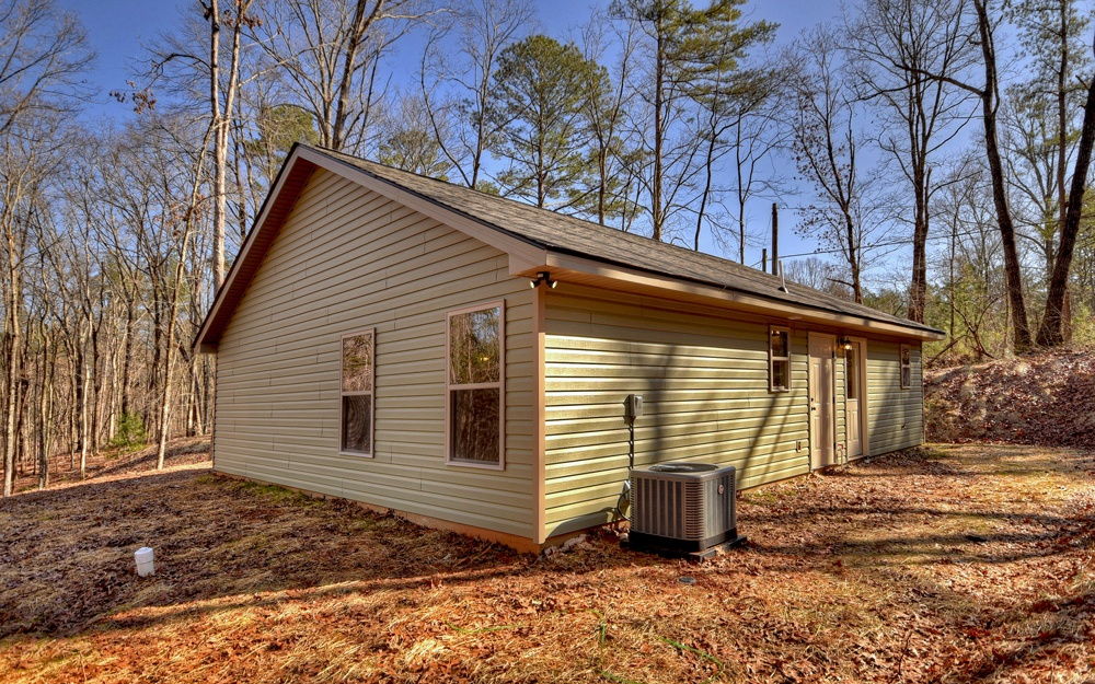 544  OLD ROUNDTOP RD