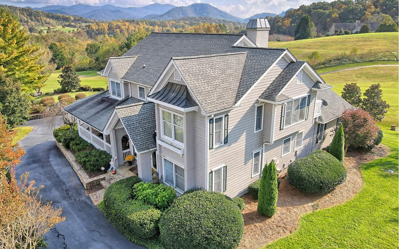 1372  MOUNTAIN HARBOUR DR