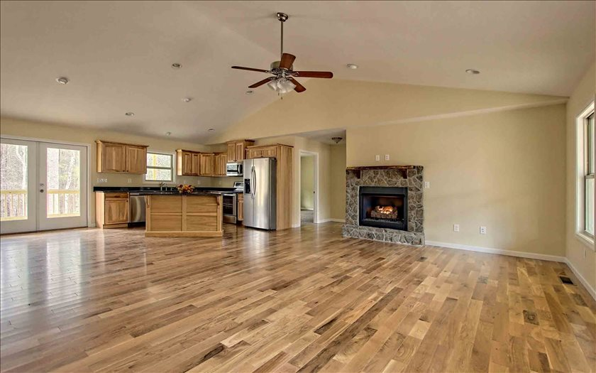 215  FOOTHILLS TRAIL