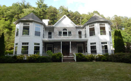 595  DYER COVE ROAD, HAYESVILLE, NC